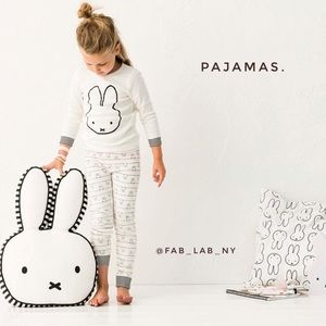Pjs for girls. Find them here💫💫